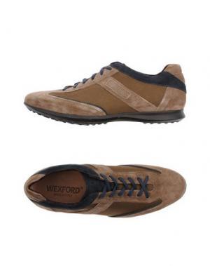 Низкие кеды и кроссовки WEXFORD. Цвет: хаки