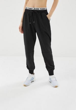 Брюки Tommy Jeans. Цвет: черный