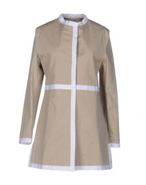 Легкое пальто GUTTHA. Цвет: светло-коричневый