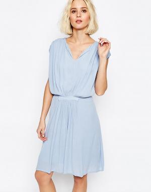 Paisie Драпированное платье с присборенной талией. Цвет: синий