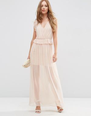ASOS Сетчатое вечернее платье макси с оборкой. Цвет: розовый