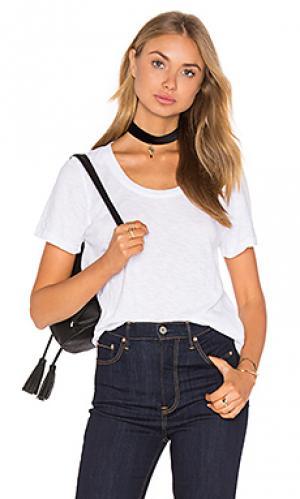 Плотная свободная футболка с круглым воротом MONROW. Цвет: белый
