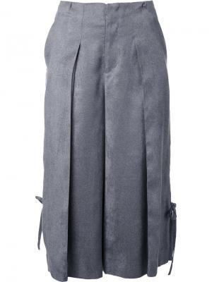 Укороченные плиссированные брюки Taro Horiuchi. Цвет: серый