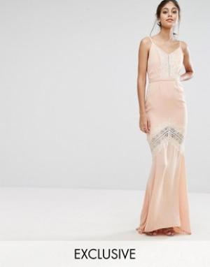 Hope and Ivy Платье макси с открытой спиной и кружевной отделкой &. Цвет: оранжевый