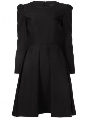 Платье шифт с плиссированной юбкой Co. Цвет: чёрный