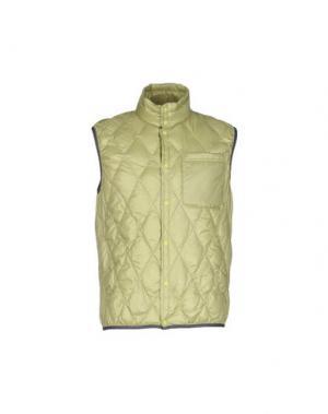 Пуховик BPD BE PROUD OF THIS DRESS. Цвет: светло-зеленый