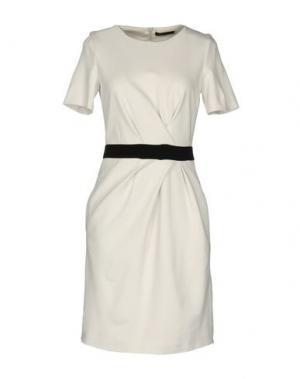 Короткое платье STRENESSE. Цвет: слоновая кость