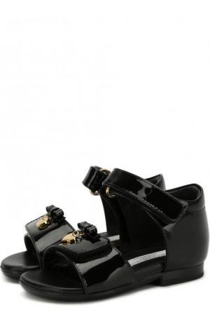 Лаковые босоножки с застежками велькро бантами Dolce & Gabbana. Цвет: черный