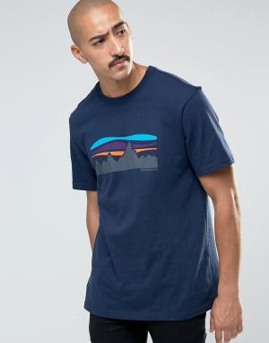 Patagonia Темно-синяя классическая футболка с принтом. Цвет: темно-синий