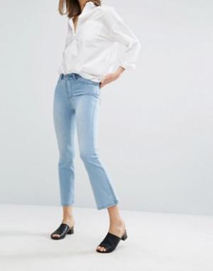 Dr Denim Укороченные джинсы с легким клешем Holly. Цвет: синий