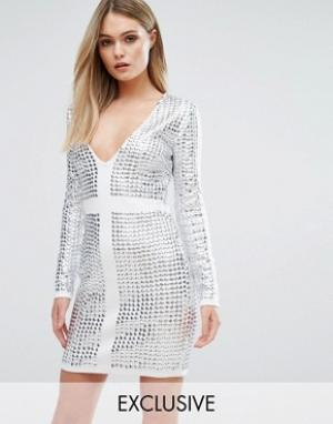 Starlet Платье мини с отделкой заклепками и V-образным вырезом. Цвет: белый