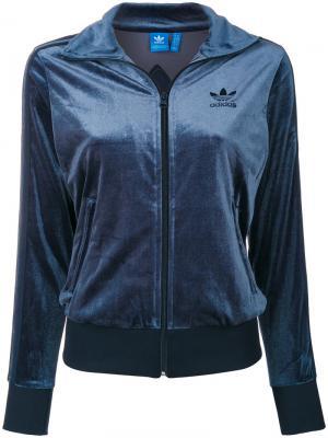 Спортивная куртка на молнии Adidas. Цвет: синий