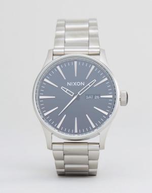 Nixon Серебристые часы-браслет Sentry SS. Цвет: серебряный