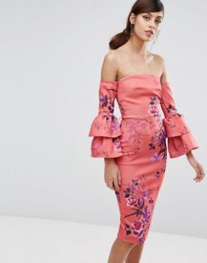 True Violet Платье-футляр миди с рюшами на рукавах. Цвет: мульти