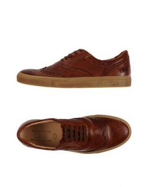 Низкие кеды и кроссовки D'ACQUASPARTA. Цвет: желто-коричневый