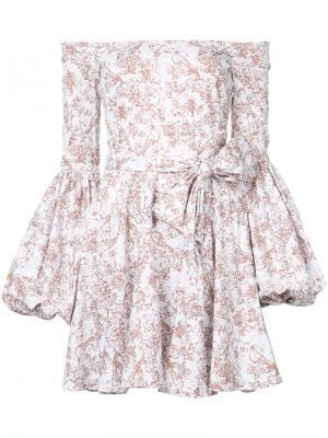 Платье с заниженной линией плеч Caroline Constas. Цвет: белый
