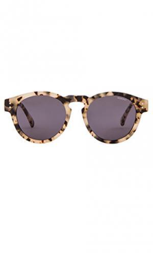 Солнцезащитные очки crafted clement Komono. Цвет: серо-коричневый