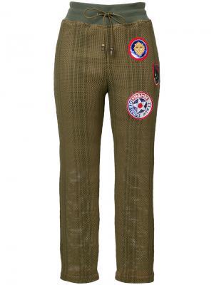 Укороченные брюки с нашивками Mr & Mrs Italy. Цвет: зелёный
