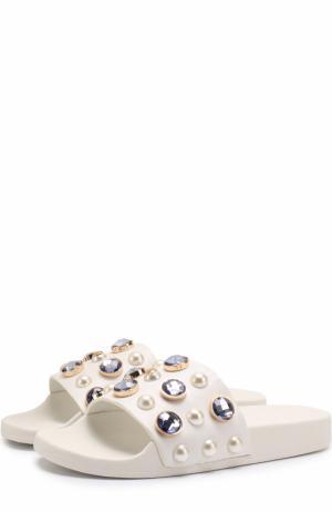 Кожаные шлепанцы Vail с декором Tory Burch. Цвет: белый