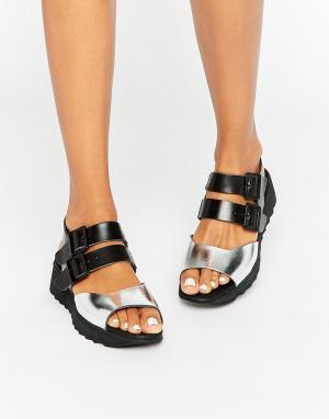 Eeight Черные кожаные сандалии на плоской подошве Carey. Цвет: черный