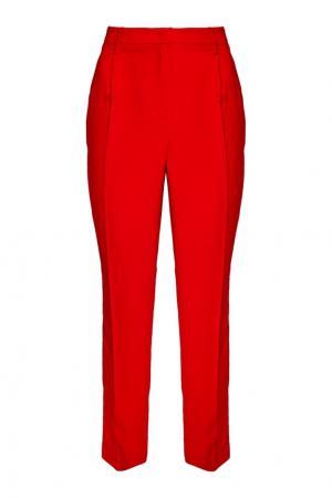Красные брюки со стрелками Essentiel. Цвет: красный