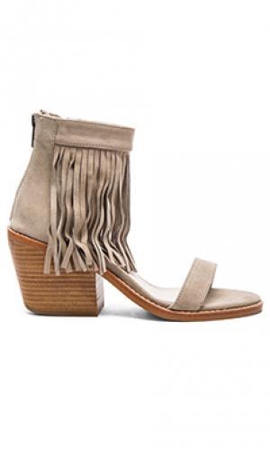Туфли на каблуке tobi Sol Sana. Цвет: серо-коричневый
