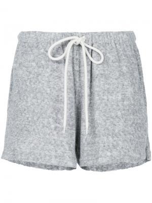 Махровые пляжные шорты с манжетами Bassike. Цвет: серый