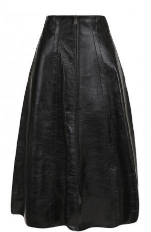 Однотонная кожаная юбка-миди Fendi. Цвет: черный