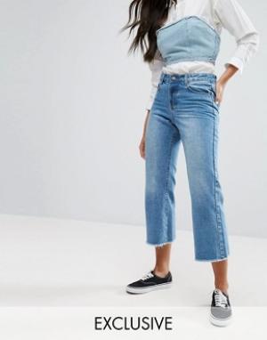 Liquor & Poker Широкие укороченные джинсы с необработанными краями. Цвет: синий