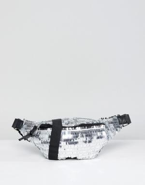 Glamorous Сумка-кошелек на пояс с серебристыми пайетками. Цвет: серебряный
