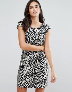 Jasmine Цельнокройное платье со звериным принтом. Цвет: черный