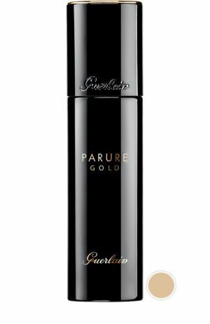 Тональное средство Parure Gold, оттенок 02 Светло-бежевый Guerlain. Цвет: бесцветный