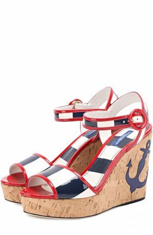 Лаковые босоножки Keira на танкетке Dolce & Gabbana. Цвет: разноцветный