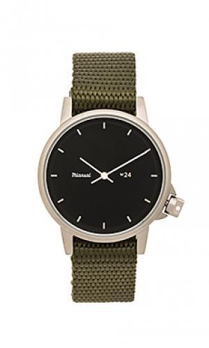 Часы на черном нейлоном браслете m24 ii Miansai. Цвет: военный стиль