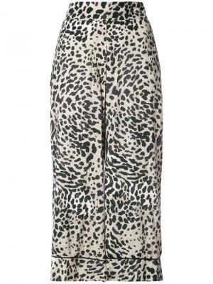Укороченные широкие брюки с леопардовым принтом Smythe. Цвет: многоцветный