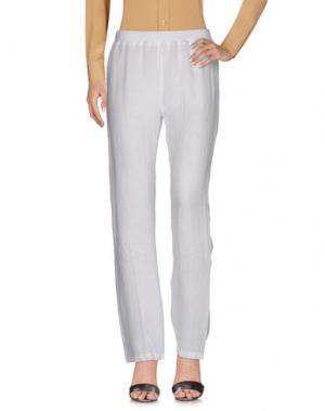 Повседневные брюки CLUB VOLTAIRE. Цвет: белый