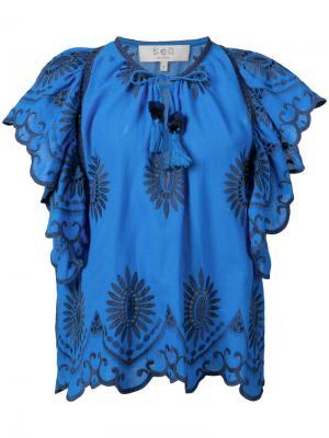 Блузка с вышитыми цветами и оборками Sea. Цвет: синий