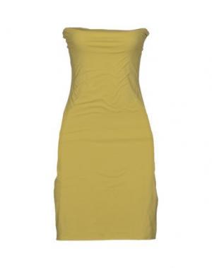 Короткое платье NIU'. Цвет: кислотно-зеленый
