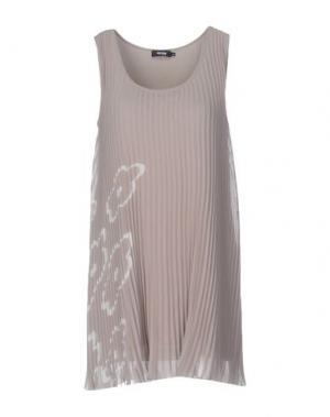Короткое платье MYRINE. Цвет: серый
