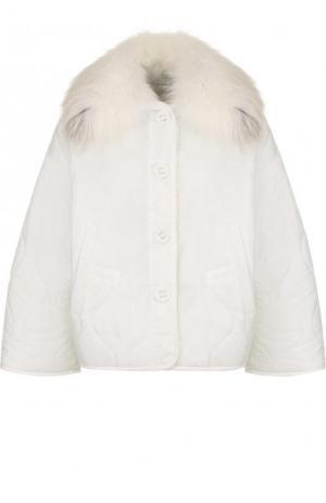 Стеганая куртка свободного кроя с отделкой из меха лисы Army Yves Salomon. Цвет: белый