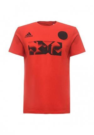 Футболка adidas Performance. Цвет: красный