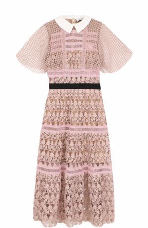 Приталенное платье-миди с кружевной отделкой self-portrait. Цвет: розовый