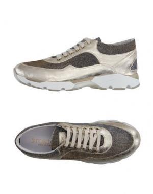 Низкие кеды и кроссовки STOKTON. Цвет: платиновый
