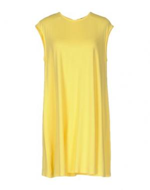 Короткое платье MOON. Цвет: желтый