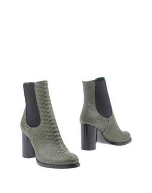 Полусапоги и высокие ботинки CASADEI. Цвет: изумрудно-зеленый