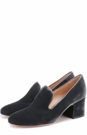 Бархатные туфли на устойчивом каблуке Gianvito Rossi. Цвет: серый