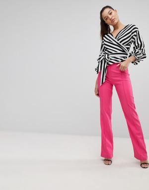 PrettyLittleThing Прямые брюки с завышенной талией. Цвет: розовый