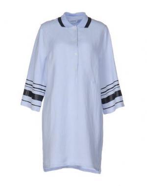 Короткое платье WOOD. Цвет: небесно-голубой