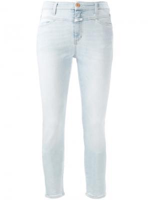 Укороченные джинсы скинни Closed. Цвет: синий