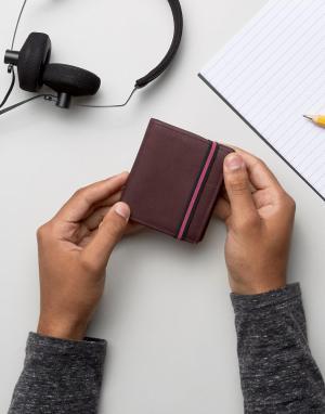 River Island Коричневый кожаный бумажник с ремешком. Цвет: коричневый